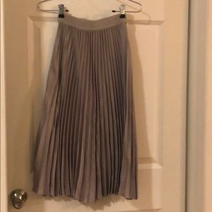 Midi skirt ✨